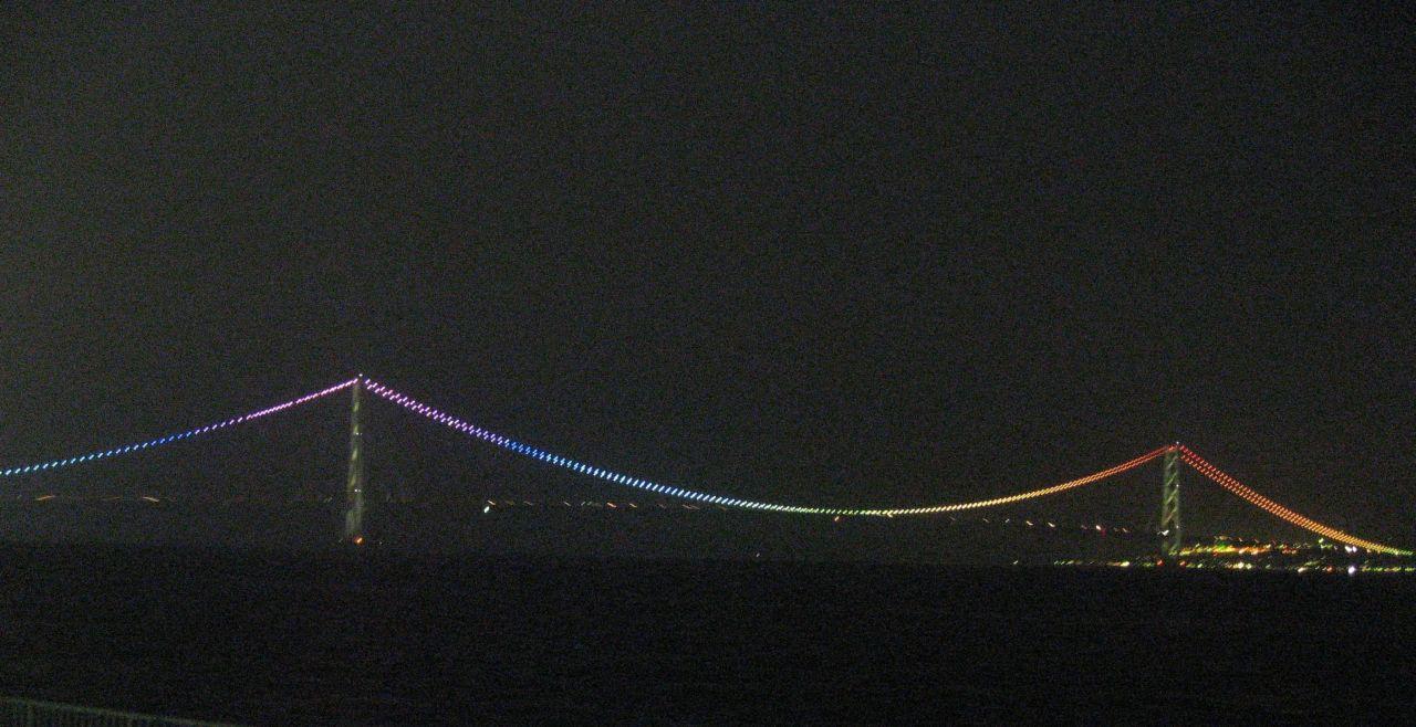 明石海峡大橋 民営化1周年記念ライトアップ特別点灯 大蔵海岸公園より