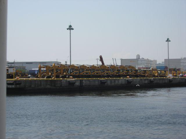 工事車両輸出用の埠頭